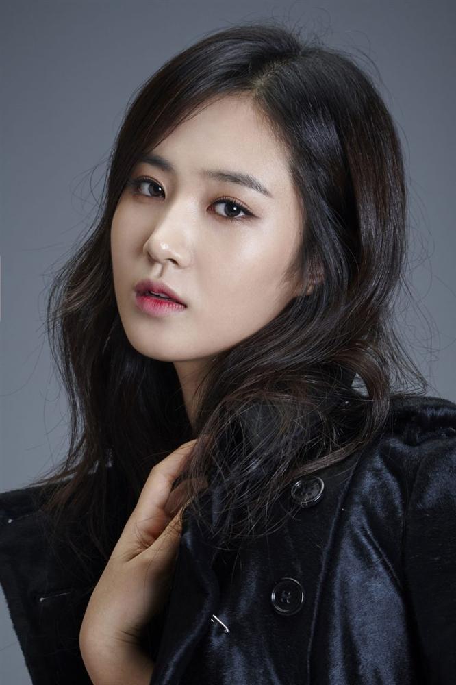 Ngoài 40 tuổi, Hoa hậu Hàn Quốc mang thai với ông xã kém 18 tuổi-5