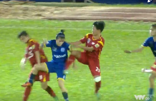 Vụ nữ cầu thủ đánh nhau: Cựu tuyển thủ U23 bảo vệ người yêu-2