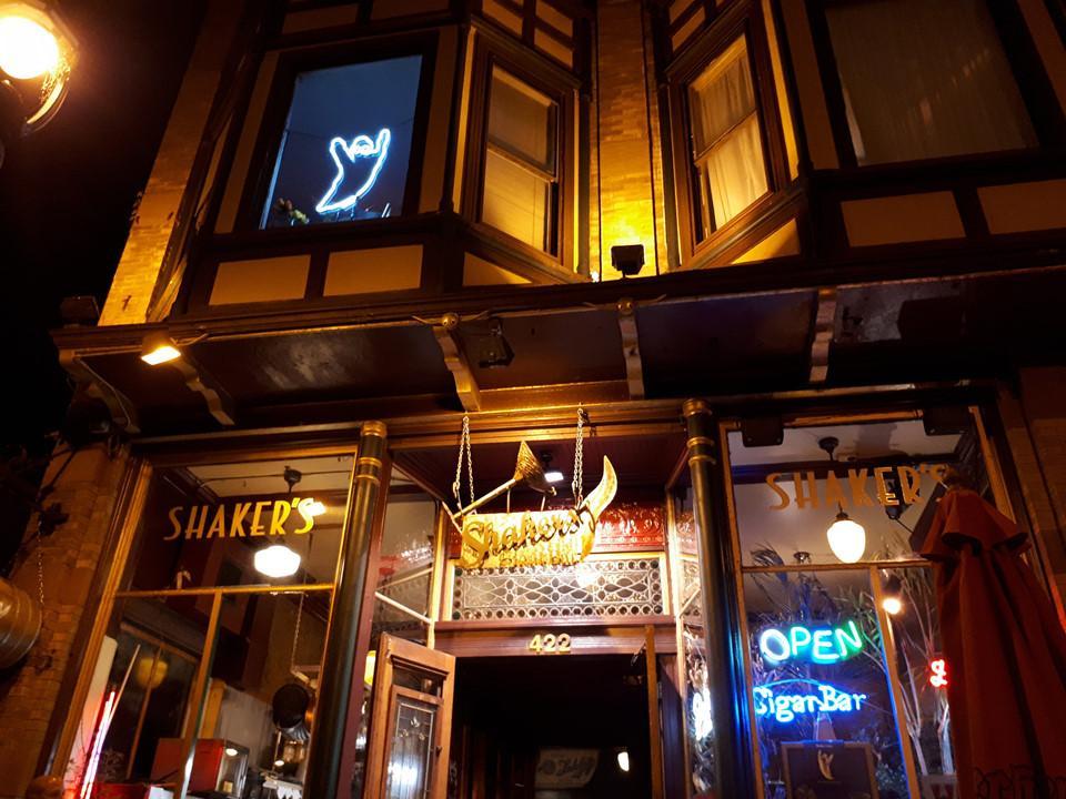 6 quán bar ở Mỹ nổi tiếng hút khách vì những hồn ma vất vưởng-5