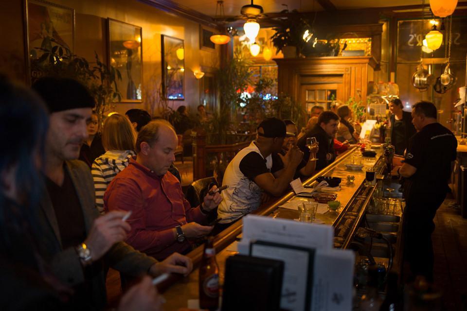 6 quán bar ở Mỹ nổi tiếng hút khách vì những hồn ma vất vưởng-6