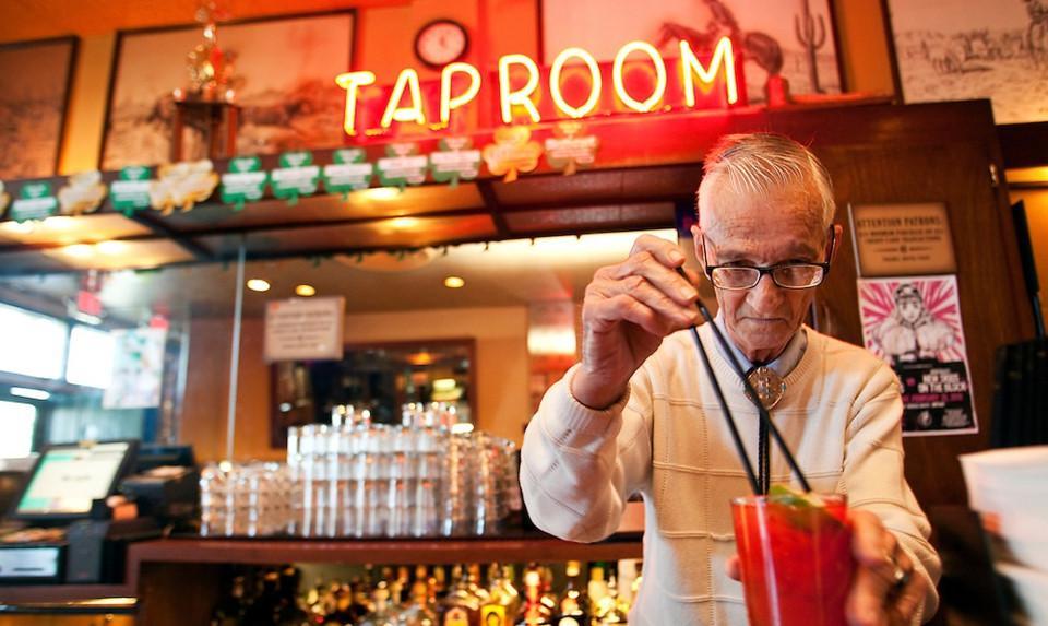 6 quán bar ở Mỹ nổi tiếng hút khách vì những hồn ma vất vưởng-11