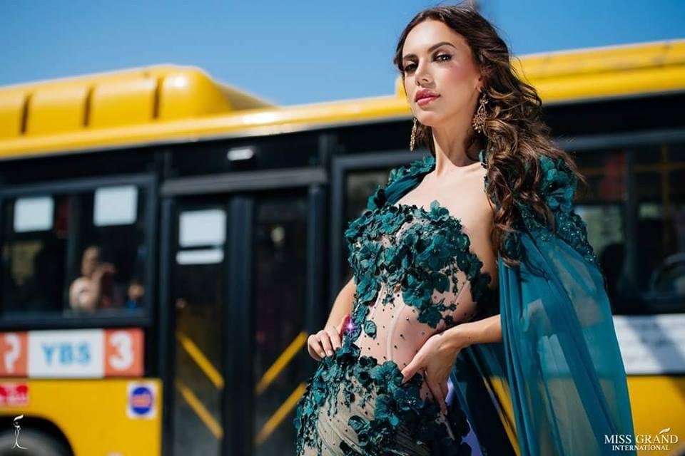 Xứng danh cường quốc bình chọn, khán giả Việt giúp ảnh chân dung Bùi Phương Nga thắng ngoạn mục tại Miss Grand 2018-10