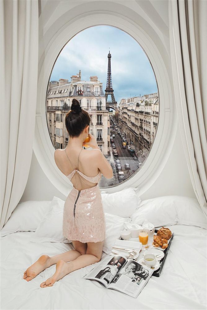 Bỏ cả đống tiền thuê khách sạn sang chảnh ở Pháp mà Ngọc Trinh vẫn bị nghi sống ảo mà photoshop như thật-6