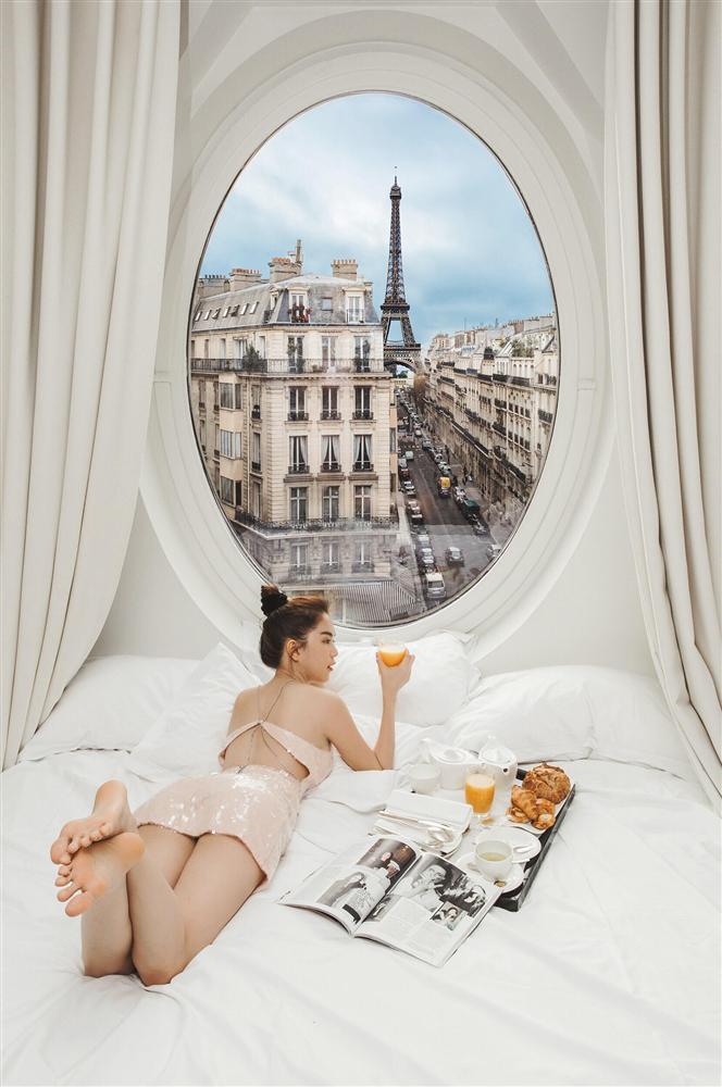 Bỏ cả đống tiền thuê khách sạn sang chảnh ở Pháp mà Ngọc Trinh vẫn bị nghi sống ảo mà photoshop như thật-7