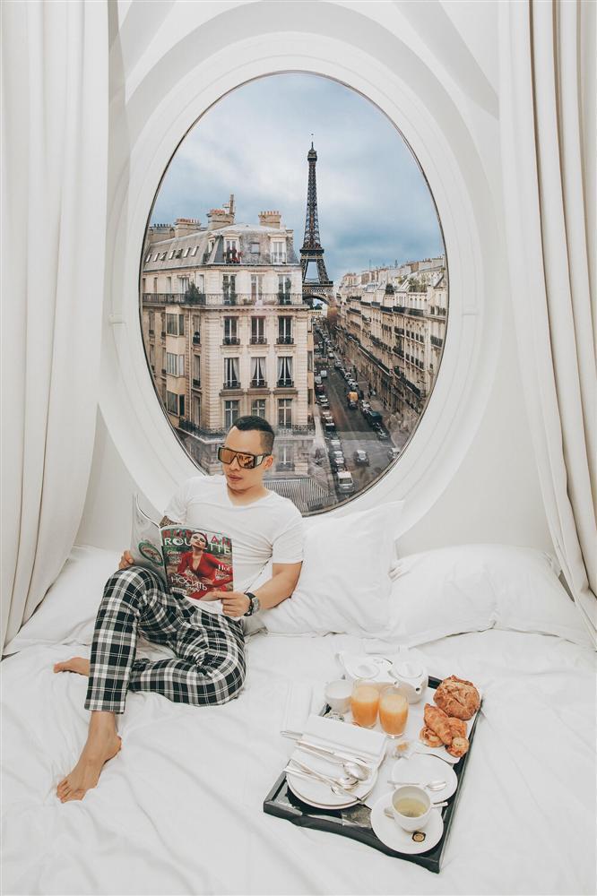 Bỏ cả đống tiền thuê khách sạn sang chảnh ở Pháp mà Ngọc Trinh vẫn bị nghi sống ảo mà photoshop như thật-12