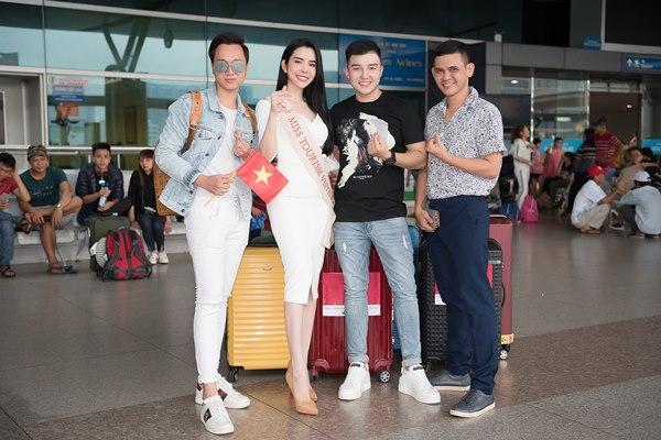 Người tình Isaac Liên Bỉnh Phát ra sân bay tiễn Huỳnh Vy thi Miss Tourism Queen Worldwide 2018-4