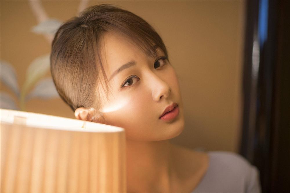 Địch Lệ Nhiệt Ba lên ngôi Thị hậu Kim Ưng, cư dân mạng mỉa mai: Cô ta không thấy xấu hổ sao?-4