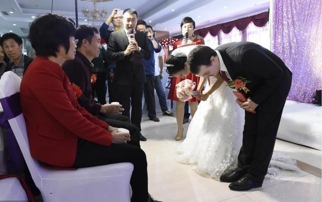 Cô gái lấy chồng Mỹ nhờ vào tờ giấy ăn lần đầu gặp gỡ-2