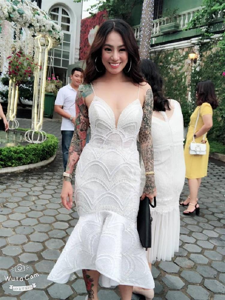 Cô dâu xăm trổ kín người xinh như mộng gây tranh cãi cộng đồng mạng-2