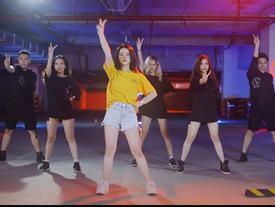 Linh Ka mặt mụn, quẩy sung trong MV mới