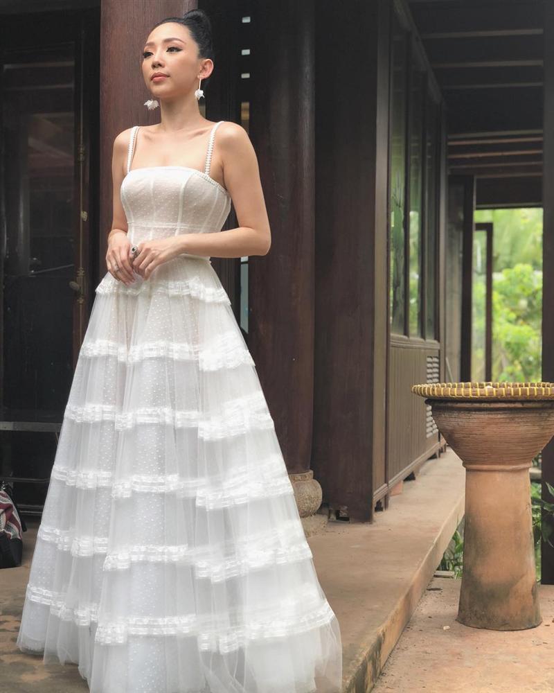 Tóc Tiên trở thành cô dâu của Hoàng Touliver: Fan mong chờ chiếc váy cưới cá tính nhất làng showbiz-5