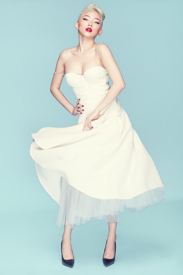 Tóc Tiên trở thành cô dâu của Hoàng Touliver: Fan mong chờ chiếc váy cưới cá tính nhất làng showbiz-10
