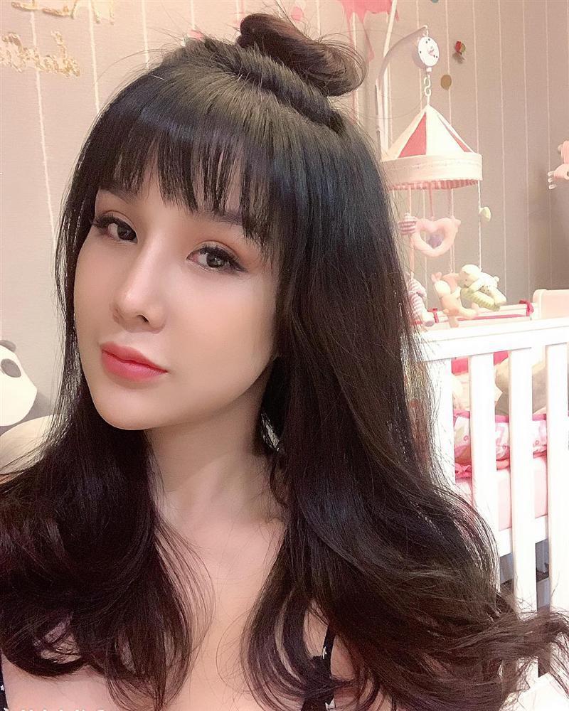 Quách Ngọc Ngoan khen Ngọc Trinh là cô gái xuất sắc nhất của showbiz Việt-5