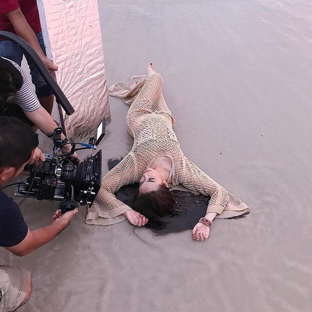 Quách Ngọc Ngoan khen Ngọc Trinh là cô gái xuất sắc nhất của showbiz Việt-6