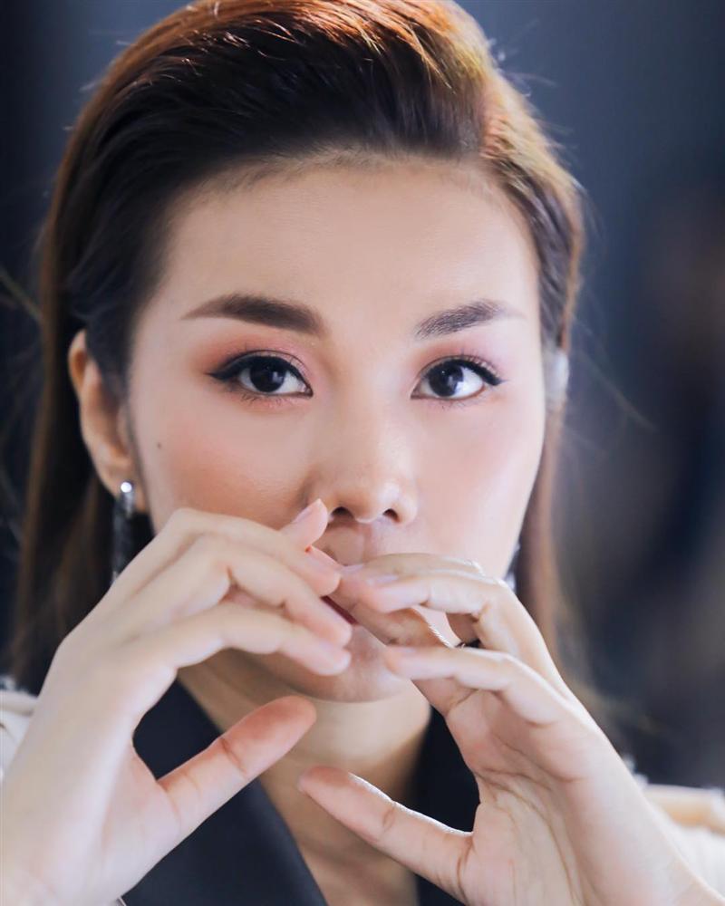 Quách Ngọc Ngoan khen Ngọc Trinh là cô gái xuất sắc nhất của showbiz Việt-13