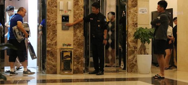 Hết Bùi Tiến Dũng lại Đình Trọng bị HLV Park Hang Seo phạt cả chì lẫn chài chỉ vì ăn mặc xuề xòa ra ngoài-2