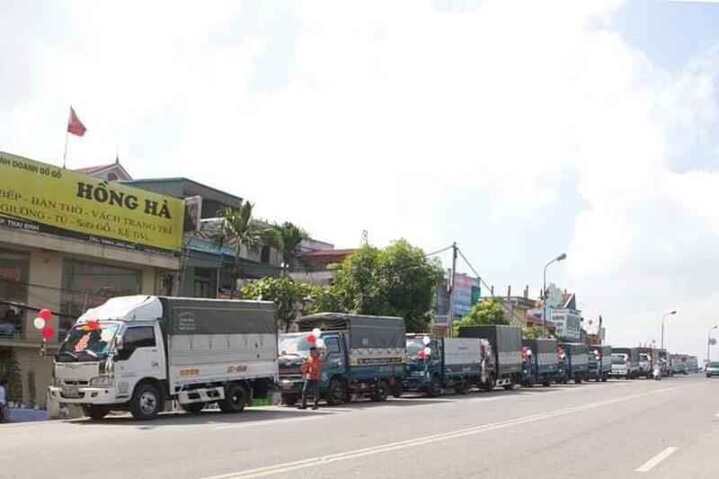 Bất ngờ với màn rước dâu bằng xe tải của chú rể ở Thái Bình-1