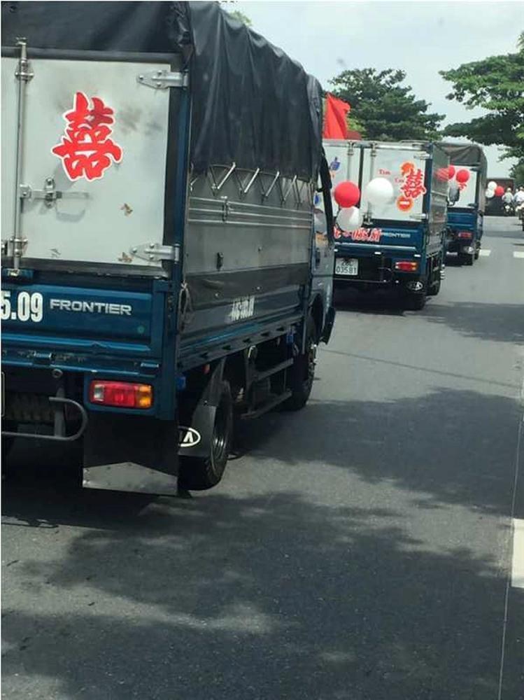 Bất ngờ với màn rước dâu bằng xe tải của chú rể ở Thái Bình-5
