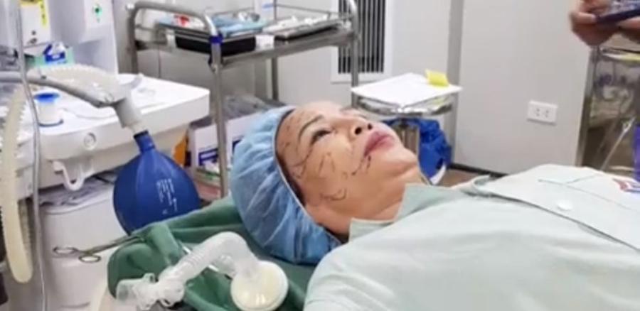 Bị chê trâu già gặm cỏ non, cô dâu 61 tuổi hút mỡ bụng, cấy mỡ mắt để xứng đôi với chồng trẻ 26-4