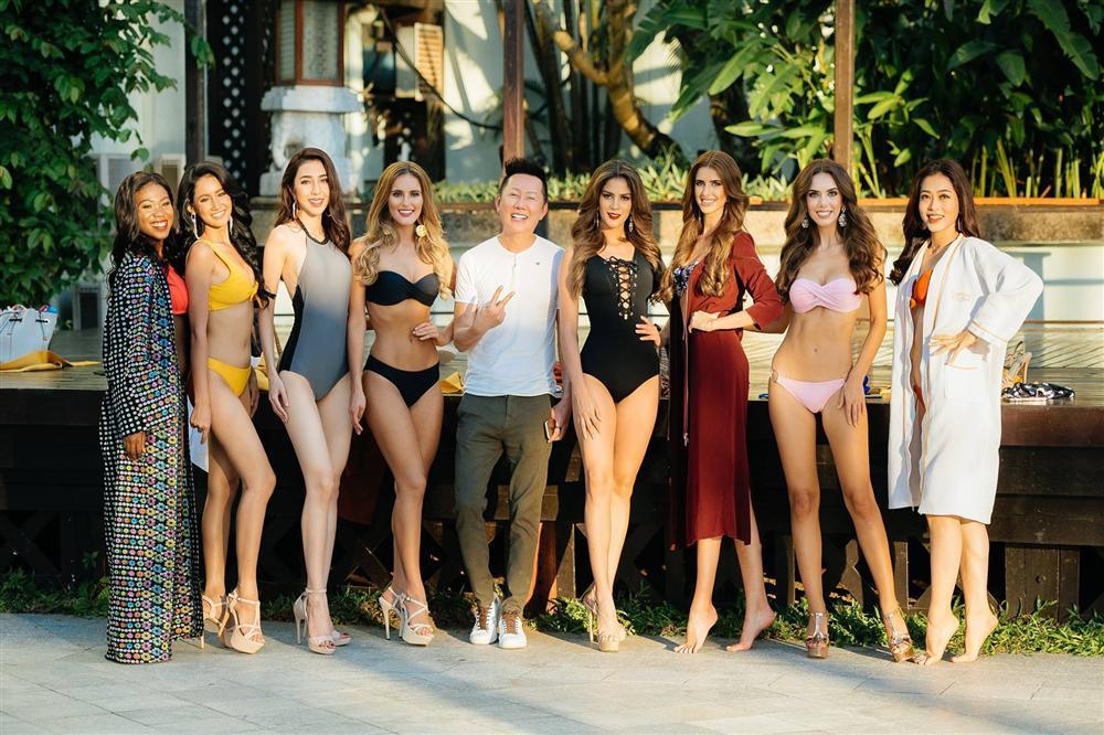 Diện bikini đỏ rực, Bùi Phương Nga đọ đường cong với 8 mỹ nhân may mắn nhất Miss Grand 2018-11