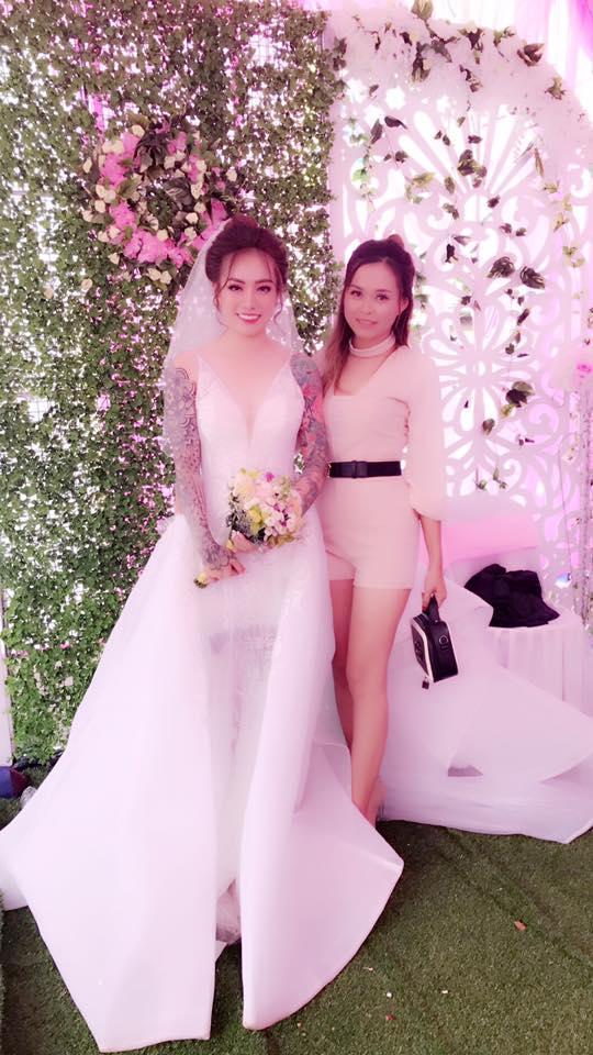 Gây bão với bức ảnh xăm kín 2 tay nhưng ngoại hình cực xinh đẹp của cô dâu mới là điều người khác xiêu lòng-3