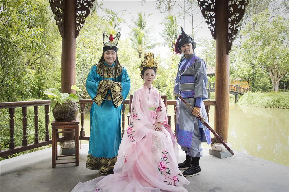 Mãn nhãn với tạo hình cổ trang trong 4 web drama cực hot của Thu Trang, Huỳnh Lập, Nam Thư-3