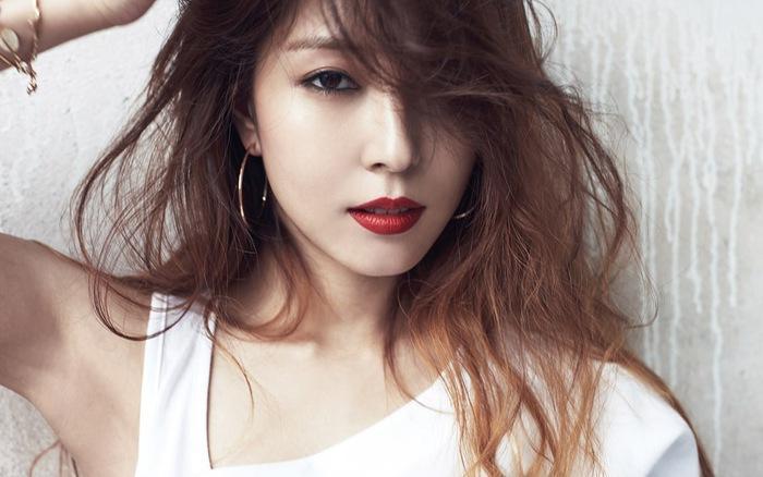 Nhà đài hé lộ tạo hình xinh đẹp nhưng đầy u buồn của Song Hye Kyo trong phim mới-7