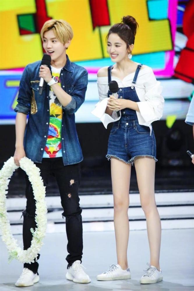 Quan Hiểu Đồng bình luận Triệu Lệ Dĩnh - từ khóa hot nhất Weibo hiện tại: Vì sao thế?-4