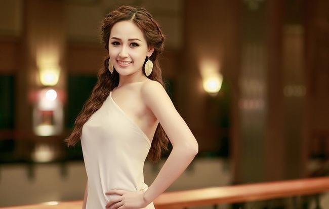 Có hoa hậu nào tốt tính như Mai Phương Thúy: Dành cả tuổi 30 để đăng hình người khác rồi... khen đẹp-1