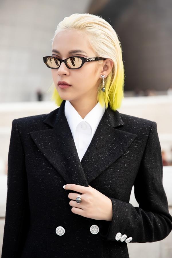 Phí Phương Anh diện nguyên hàng hiệu tiền tỷ và mái tóc vàng chanh tấn công Seoul Fashion Week-4
