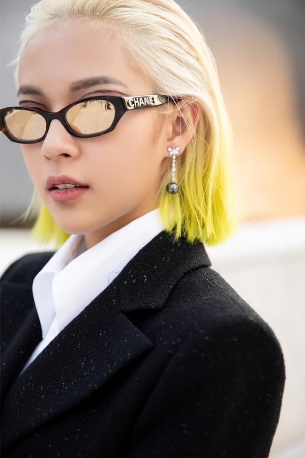 Phí Phương Anh diện nguyên hàng hiệu tiền tỷ và mái tóc vàng chanh tấn công Seoul Fashion Week-6