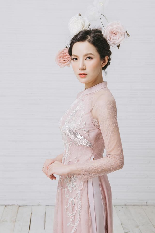 Tròn 4 tháng ở cữ nuôi con, hotgirl Tú Linh tái xuất rạng rỡ như em chưa 18 trong bộ ảnh áo dài thướt tha-1