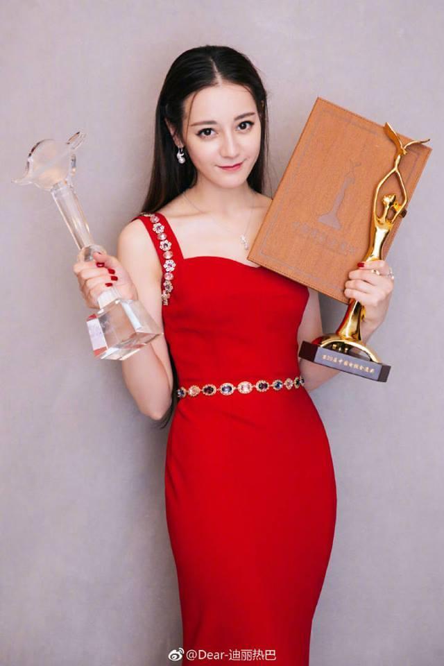 BẤT NGỜ: Điều tra nghi án Địch Lệ Nhiệt Ba mua giải Thị hậu Kim Ưng đình đám xứ Trung-3