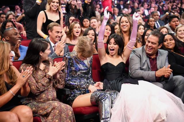 Fan lên thuyền đi thôi - Camila Cabello nguyện là fan suốt đời của Taylor Swift!-1