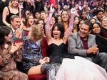 Bồ cũ của Taylor Swift làm đám cưới với bạn gái xinh đẹp ngay sau lễ trao giải Billboard 2019-4