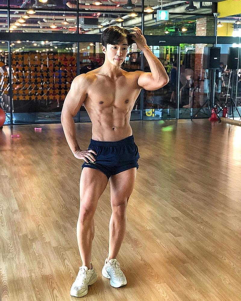 Nam cảnh sát Hàn Quốc điển trai, có thân hình chuẩn 6 múi-4