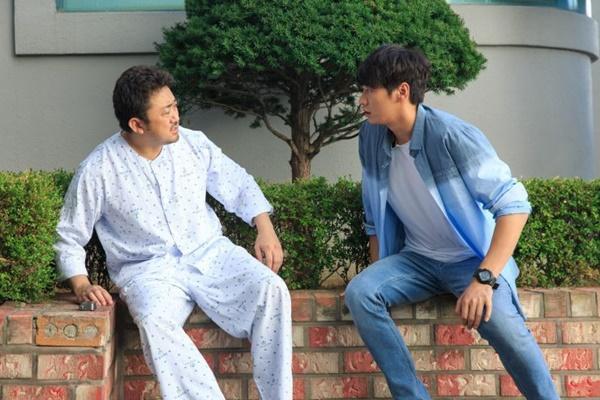 'Bạn ma phiền toái': Bộ phim mua nước mắt của người Hàn-2