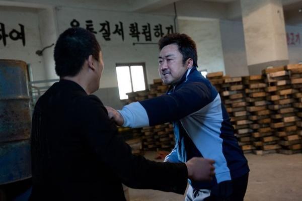 'Bạn ma phiền toái': Bộ phim mua nước mắt của người Hàn-3