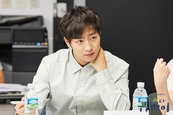 Xịt máu mũi với body cực phẩm của Kim Ji Suk trong drama sắp lên sóng 'Top Star Yoo Baek'-5