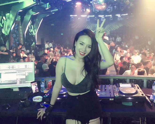 Vợ DJ của Khắc Việt: Tôi thích mặc đồ lộ được các vòng cơ thể-1