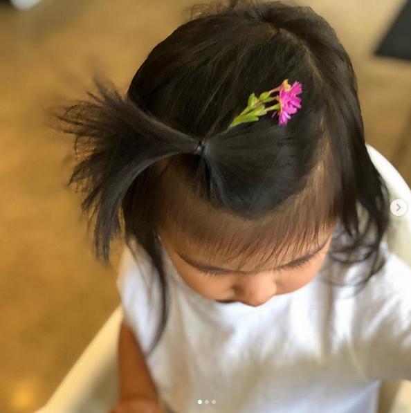 Mỹ nhân Sắc Giới Thang Duy lần đầu chia sẻ ảnh con gái sau 4 năm kết hôn-1