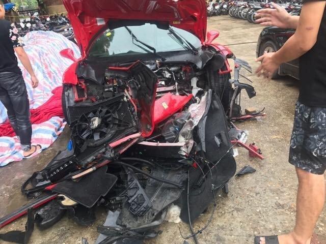 Tuấn Hưng gửi lời cảm ơn sau sự cố ngựa chiến Ferrari nát đầu vì tai nạn giao thông-3