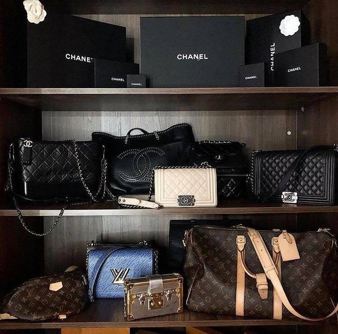 Chỉ lộ một góc tủ đồ đựng túi xách, Hoa hậu Kỳ Duyên khiến fan choáng váng vì trị giá bằng căn hộ sang xịn-2