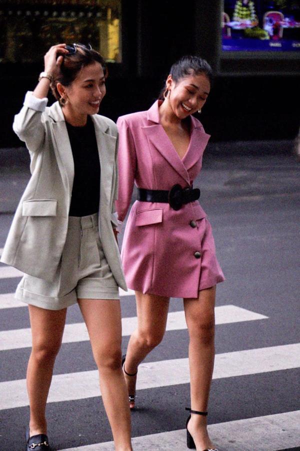 Công khai tình cảm sau khi rời khỏi The Bachelor bản Việt, hai cô gái Việt được báo quốc tế đưa tin-4