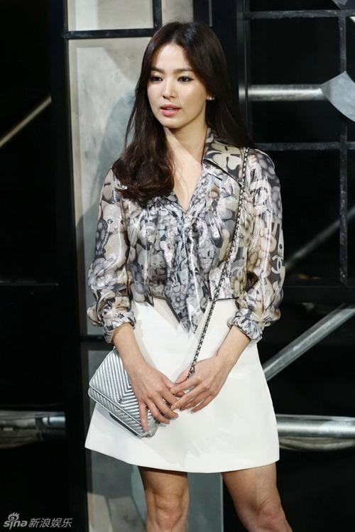 Giật mình vì bộ sưu tập túi tiền tỷ của Song Hye Kyo-13