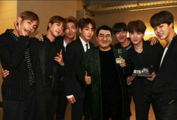 BTS tái kí hợp đồng với BigHit, đập tan suy đoán rời công ty sau khi nổi tiếng-3