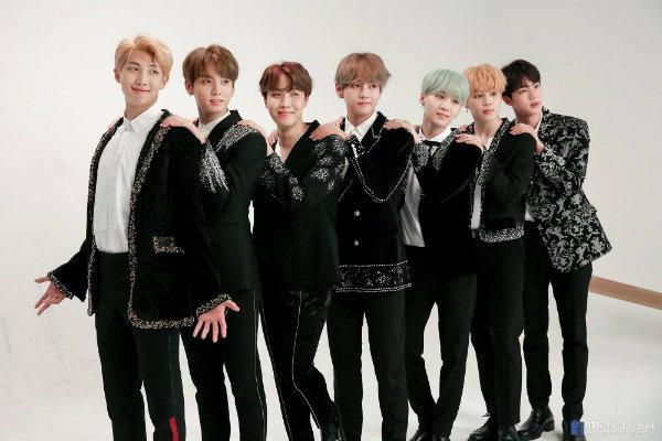 BTS tái kí hợp đồng với BigHit, đập tan suy đoán rời công ty sau khi nổi tiếng-4