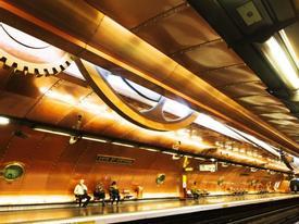 Chỉ là ga tàu điện thôi mà, có cần đẹp tới nhường này không