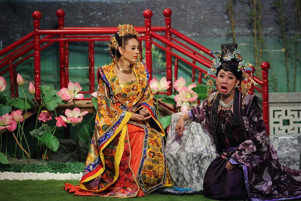 Tiết lộ bí quyết giữ gìn nhan sắc như gái đôi mươi, Lâm Khánh Chi khiến Trấn Thành khóc thét-2