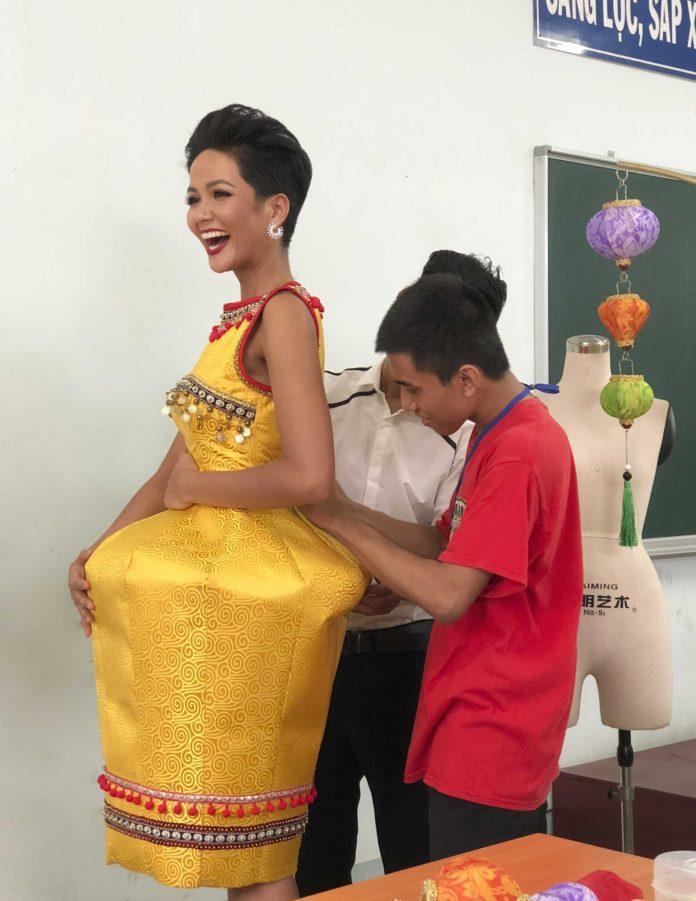 Lộ diện 6 quốc phục của HHen Niê: Sản phẩm nào sẽ được lựa chọn chinh chiến Miss Universe 2018?-8